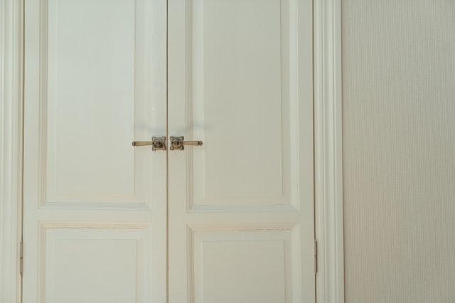 abrir puerta clip